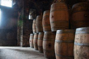 quelles sont les différences entre une cave à vin de service et de vieillissement ?